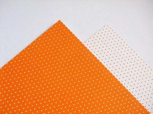 Karton oranžový puntík