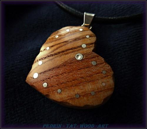 406. Dřevěný náhrdelník - JASANOVÉ SRDÍČKO