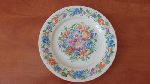 Ručně malované talíře s lidovým motivem