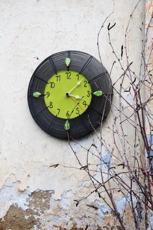 Závan jara... drátované hodiny