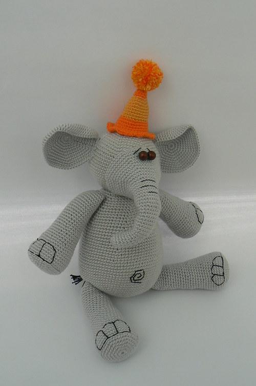 Návod na háčkovaného sloníka Toníka