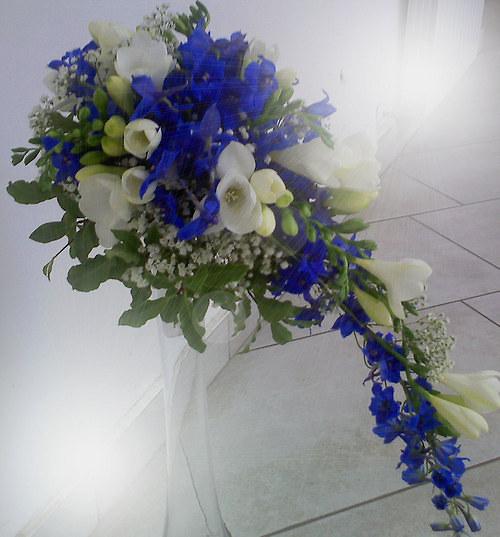 Svatební kytice modrá, převislá