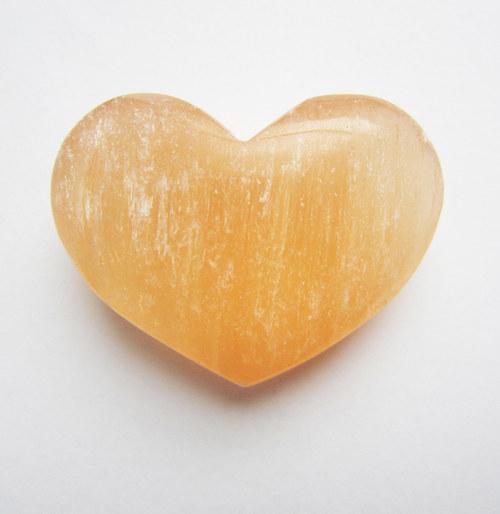 Srdce - selenit 47x35x18