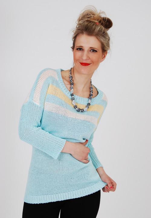 Tyrkysový pulovr s 3/4 rukávy