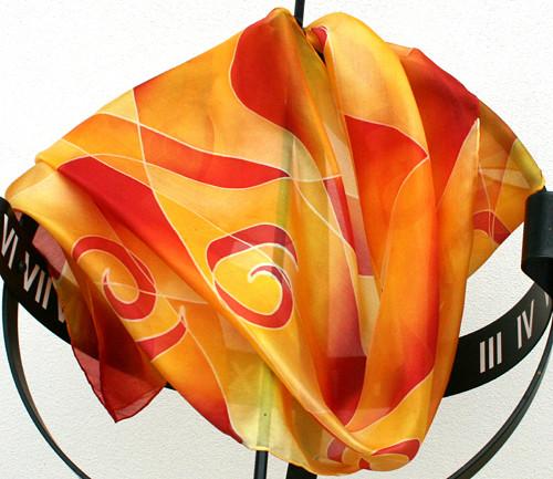 Hedvábná šála: Spirálky červeno-žluté