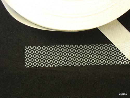Fixační mřížka KARI  zažehlovací šíře 20mm