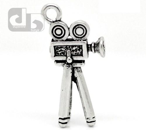 Stříbrný přívěšek filmové kamery