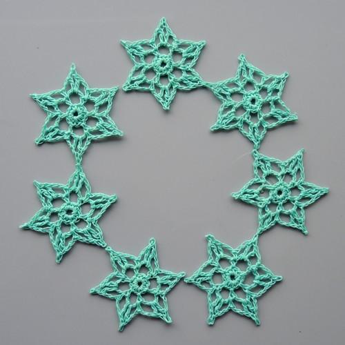 Háčkované hvězdičky - malé, nefritové