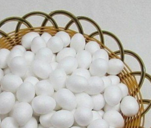 Polystyrenová vajíčka. 3,5 cm - 4 ks
