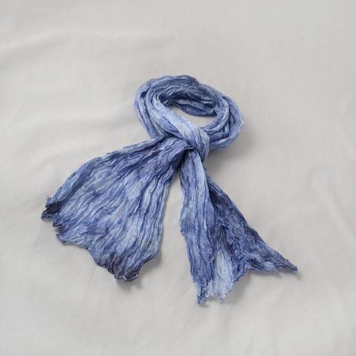 Vrapovaná šála - modro-bílá