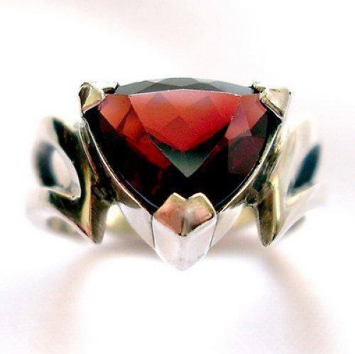 Prsten «Maska» - stříbro 925/1000, granát