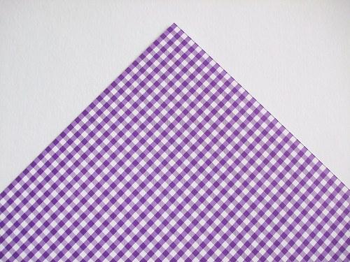 Karton fialový kostky