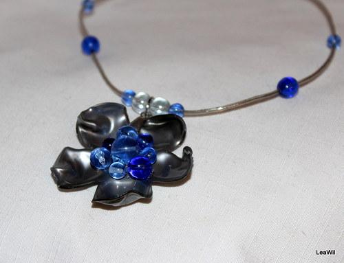Modro-stříbrná květinka - náhrdelník