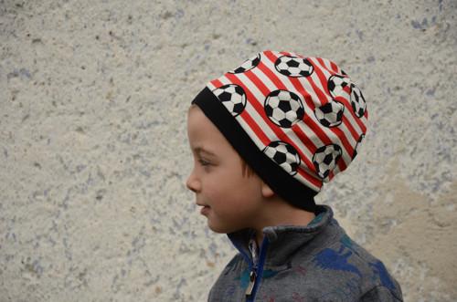 Čapka jarní 01 - fotbalová