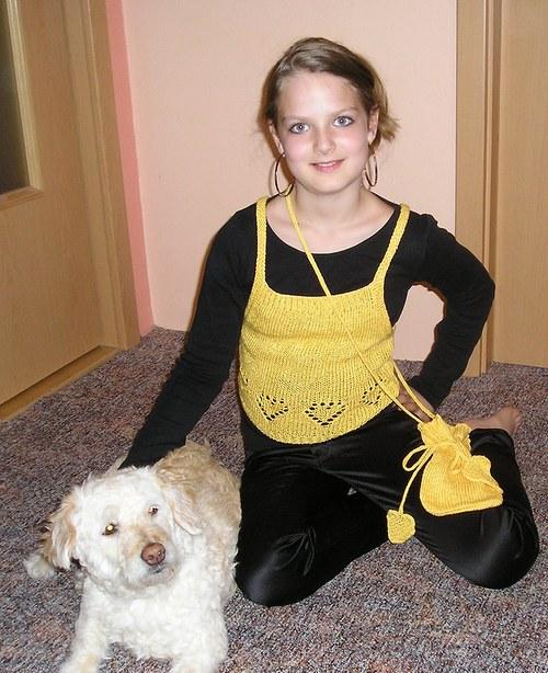 Žlutý pletený top pro malé slečny- sleva PC 350,-!