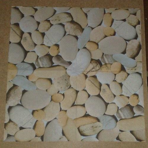 ubeousek kameny
