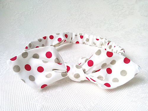 Pin Up headband on elastic (white/red&grey dots)
