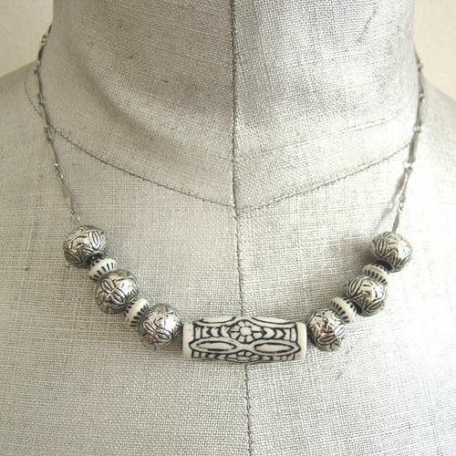 náhrdelník korálky na řetízku