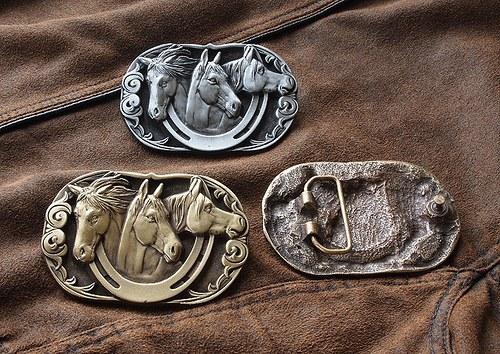 Buckle - Tři koně