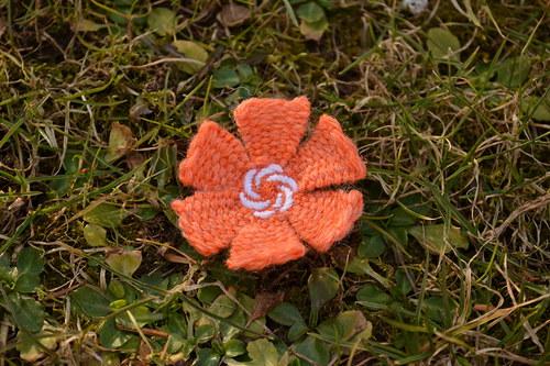 Oranžová kytička