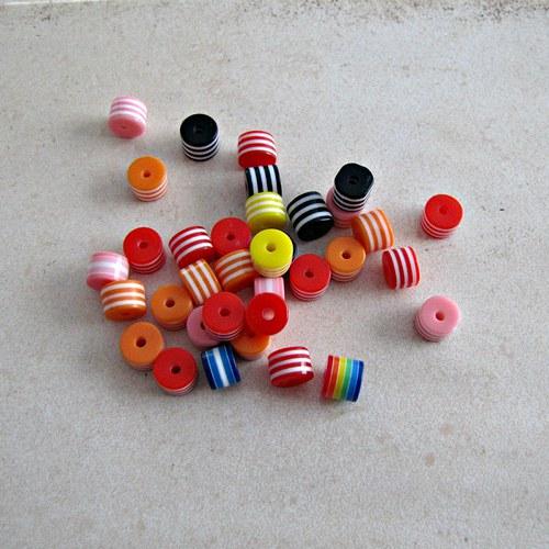 Plastové korálky 10 ks
