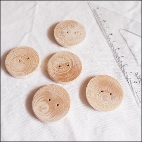 Dřevěné knoflíky - ø35 x 5 mm (5 ks)