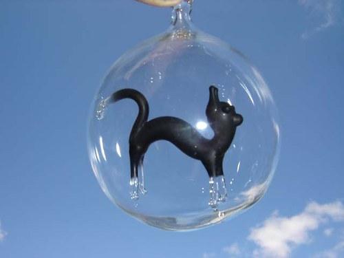 koule s motivem - nahrbená kočka černá
