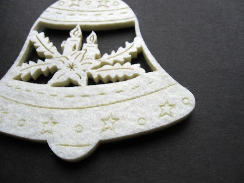Výsek z plsti - zvoneček bílý 1ks (10cm)