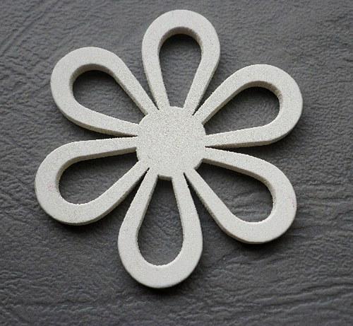 Dřevěná květina bílá, 4,5mm - 1ks