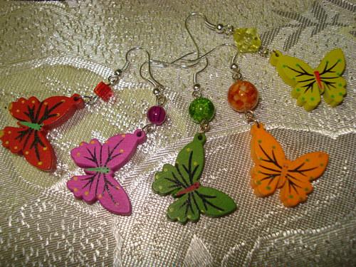 Barevní malovaní motýlci