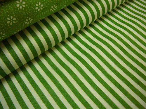 metráž- zelenobílý proužek - šíře 140cm