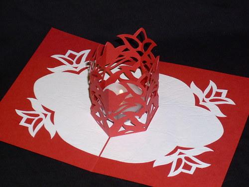 Srdečné přání červené s dárkem (svíčkou)