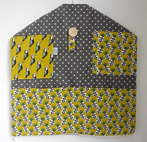 Kapsář na ramínko - tukani a ananasy