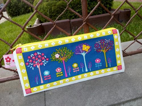 Stromečková cestovní na pastelky,kartáček a pastu