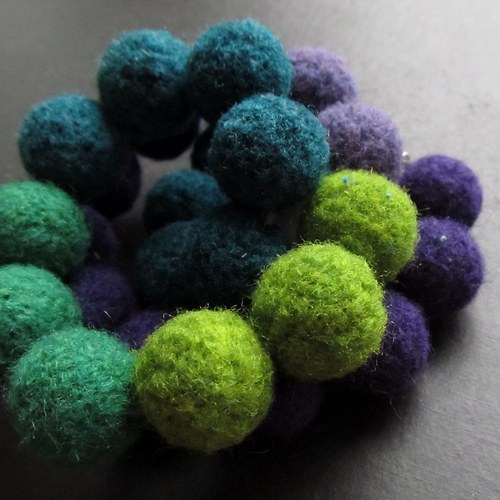 Plyško-náhrdelník fialovo zelený
