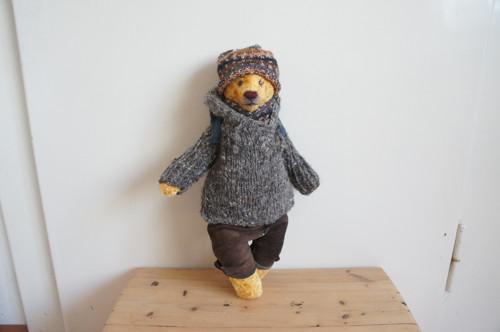 pan Bruin horal  - autorský plyšový medvěd