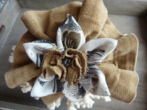 Béžová čelenka