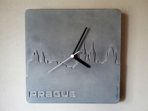 Betonové hodiny - PRAGUE