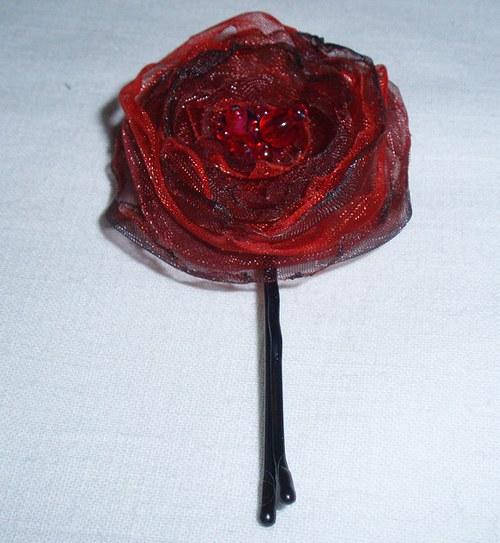 Malá červená květinka 3