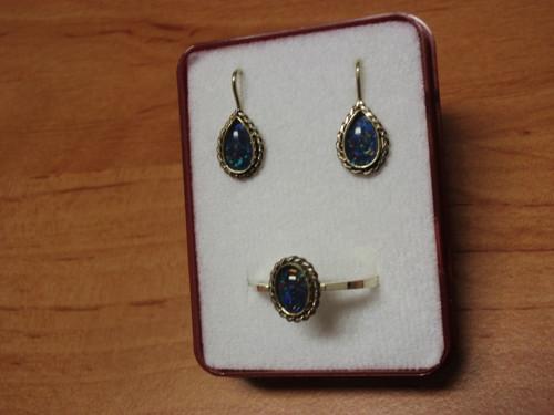 Zlatá souprava - náušnice a prsten s modrým opálem
