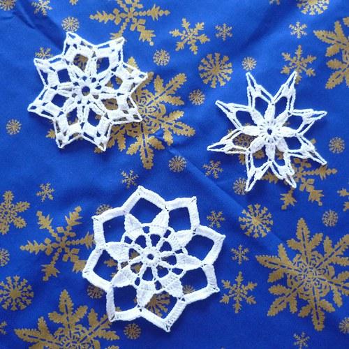 Sněhobílé vánoční vločky s modrým ubrouskem *1*