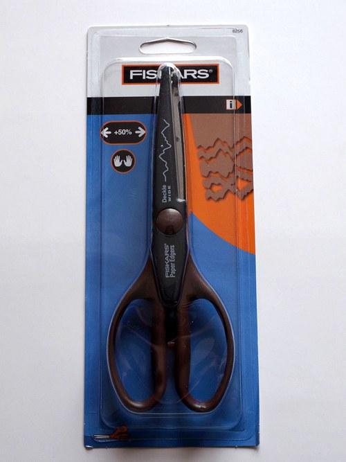 Nůžky široké ozdobné Fiskars-Okraj ručního papíru
