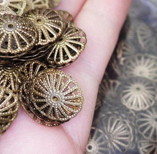 Bronzové kaplíky velké, 10 kusů