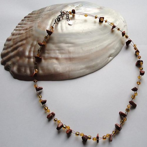 Elegantní náhrdelník z minerálu zlatý aventurín