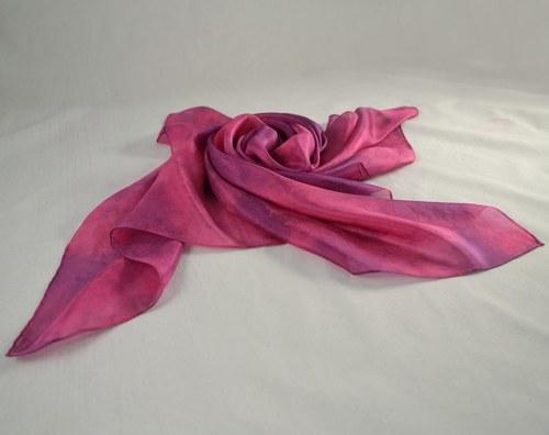 Batikovaný hedvábný šátek růžovo-fialový