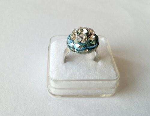 Prstýnek s kamínky