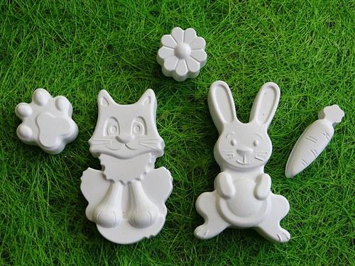 Sádrová dekorace velikonoce, zajíc, kočka, mrkev