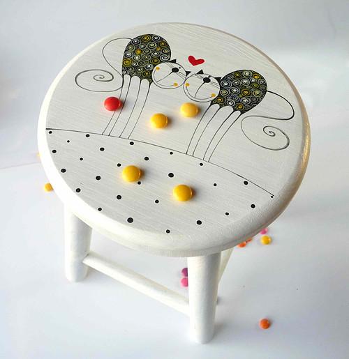 dřevěná stolička - bílá s Tulínky