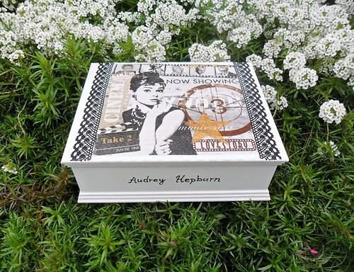 Šperkovnice se zrcadlem Audrey