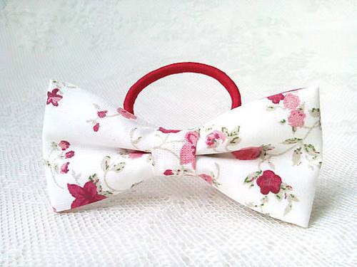 Romantic hair bow (white/flowers)
